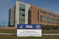 Sourced via https://commons.wikimedia.org/wiki/File:FDA_Sign_%26_Bldg_21_at_Entrance_(5204602349).jpg